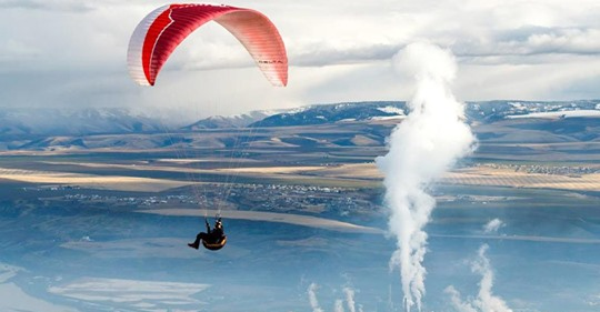 Story - Paraglider